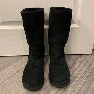 Women's tall black ugg boots size 7